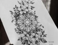 Эскиз тату мандала с цветами