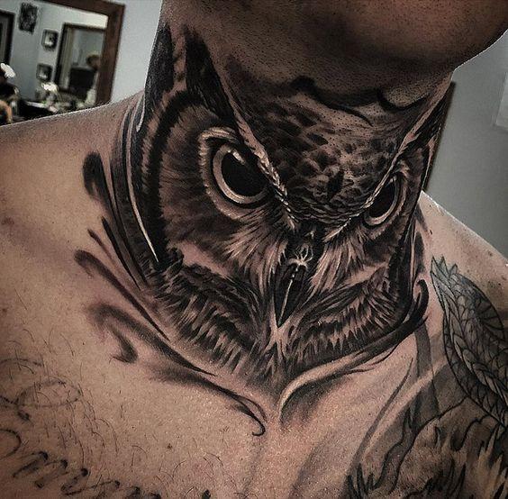 татуировка совы на шее