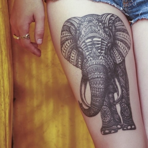 татуировка слона на ноге