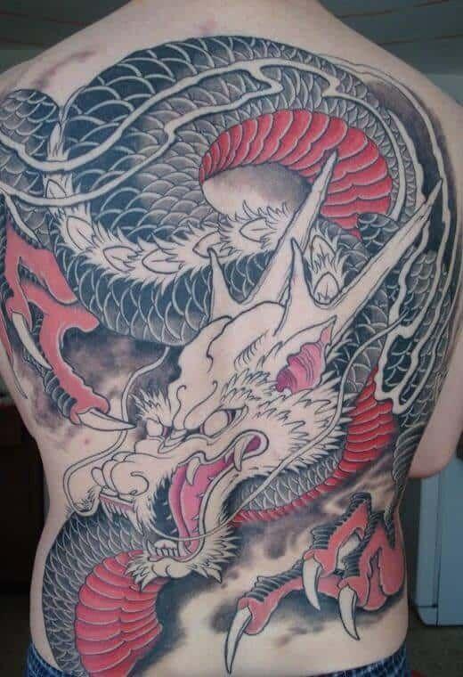 тату дракона на спине восточный стиль