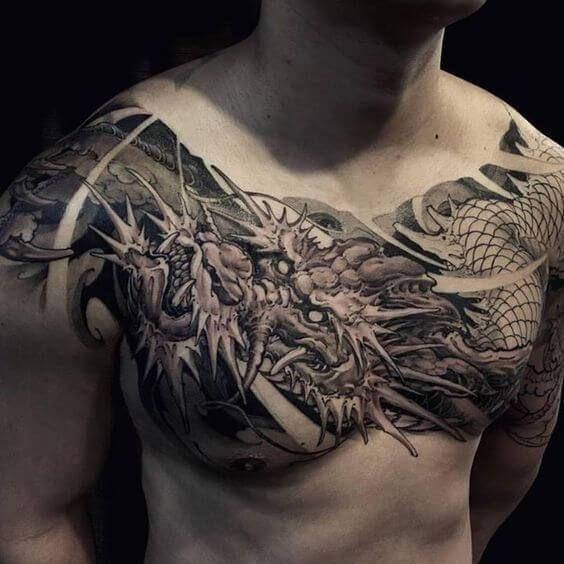 тату дракона на груди